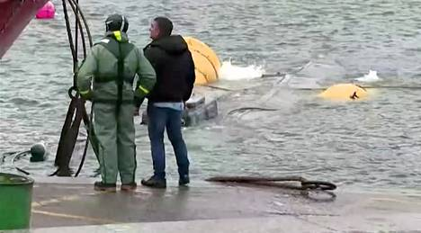 Kokaiinia salakuljettanut sukellusvene nostettiin merestä marraskuun lopussa Espanjassa.