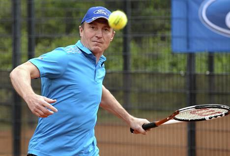 Jere Lehtinen osallistuu lauantaina Helsingissä pelattavaan jääkiekkoilijoiden tennisturnaukseen.