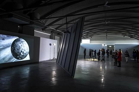 Tallinn Fotokuu -biennaaliin kuuluva näyttely avaa nykytaidekeskus Kain.