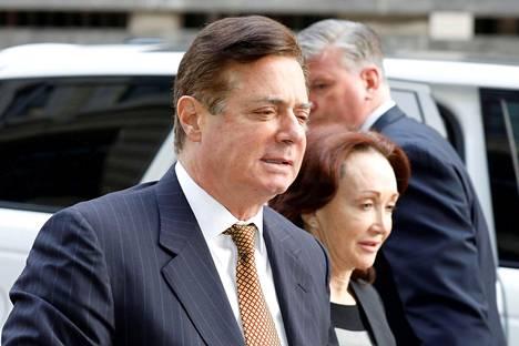 Paul Manafort saapumassa oikeustalolle Washingtonissa viime vuoden tammikuussa.