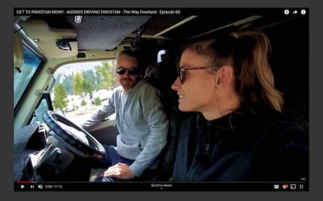 Kuvakaappaus Iranissa vangitun pariskunnan The Way Overland -Youtube-kanavalta, jonka viimeiseksi videoksi ennen pidätystä jäi kesäkuun lopussa julkaistu matkavideo Pakistanista.