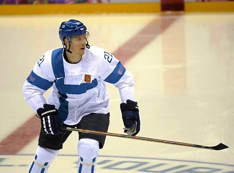 Jori Lehterä kertoi koko joukkueen halunneen pelata Teemu Selänteelle.