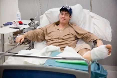 Benedek Oláh toipui perjantaina jalkaleikkauksesta Diacorin sairaalassa Helsingissä.