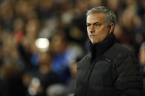 Manchester United haluaa pitää José Mourinhon joukkueessa pitkään.