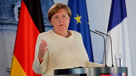 Liittokansleri Angela Merkel on painottanut, että kriisi on kaikille yhteinen, eikä koronavirus pysähtynyt maiden rajoille.