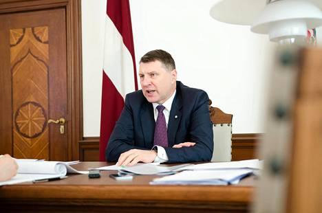 Latvian presidentti Raimonds Vējonis on huolestunut Venäjän arvaamattomuudesta.