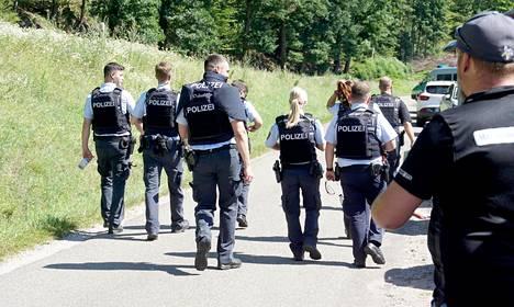 Sadat poliisit ovat osallistuneet aseistautuneen miehen etsintöihin Lounais-Saksassa.