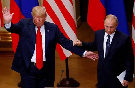 Trumpin kommentit ovat hämmästyttäneet. Yhdysvaltain presidentti ilmoitti esimerkiksi luottavansa Venäjän presidenttiin enemmän kuin CIA:han, FBI:hin ja muihin omiin turvallisuuselimiinsä.