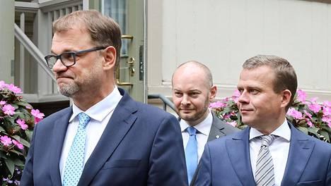 Vuoden 2019 budjettiriihi alkoi tiistaina pääministerin virka-asunnolla Kesärannassa. Kuvassa pääministeri Juha Sipilä, Eurooppa-, kulttuuri- ja urheiluministeri Sampo Terho ja valtiovarainministeri Petteri Orpo.