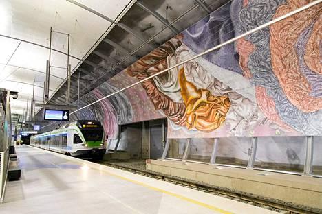 Lentokentän juna-asema heinäkuussa.
