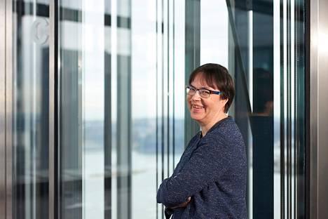 Anne Stenros on perustanut kollegoidensa kanssa Women in Tech Forum -nimisen tapahtuman, jonka tavoitteena on kannustaa tyttöjä matematiikan ja teknologian pariin.