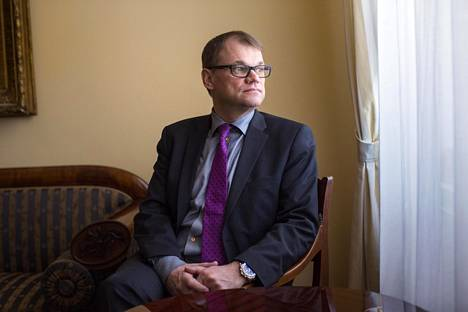 Pääministeri Juha Sipilä (kesk) valtioneuvoston linnassa.