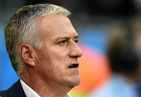 Ranskan päävalmentaja Didier Deschamps kerää kehuja.