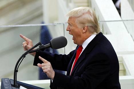 Trump sanoi virkaanastujaispuheessaan, ettei Yhdysvallat enää yritä sanella elämäntyyliään kenellekään.