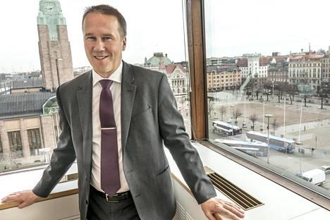 Helsingissä vieraillut Pertti Vanhanen tekee nykyään töitä Lontoossa. Hänen mukaansa britit suhtautuvat Venäjän takia varovaisesti Suomen kiinteistömarkkinoihin.