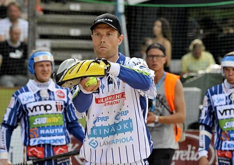 Lännen riveissä pelannut Topi Kosonen miesten Itä-Länsi-ottelussa heinäkuussa.