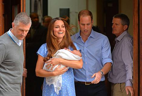 Catherine ja William toivat poikansa sairaalan eteen esiteteltäväksi maailmalle.