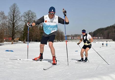Oberstdorfissa on shortsikelit.