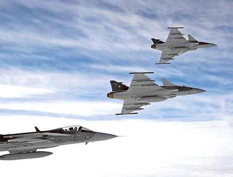 Jas Gripen -hävittäjiä on esimerkiksi Thaimaan ilmavoimilla.