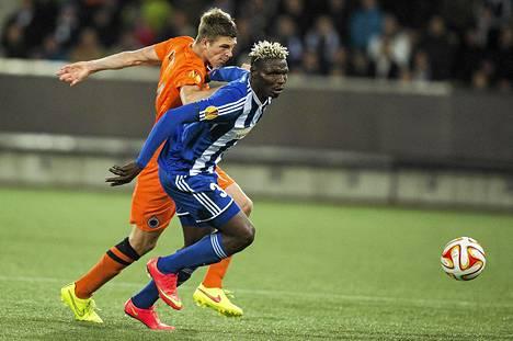 Aristide Bance ei onnistunut Klubissa, mutta mättää maaleja Burkina Fason maajoukkueessa.