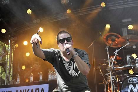 Nikke Ankara esiintyi Raumanmeren juhannus -festivaalilla kesäkuussa 2017.