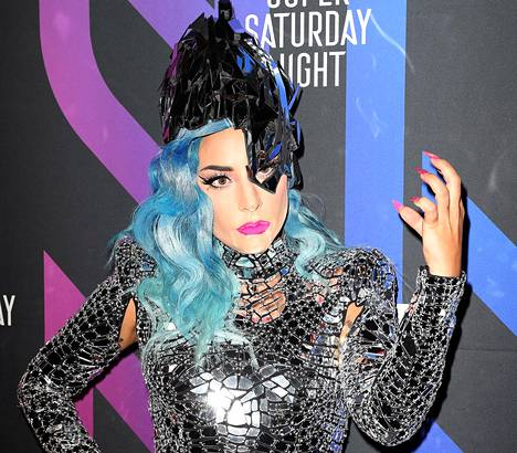 Lady Gaga ammentaa uudelle levylleen 1980-luvun lopun ja 1990-alun tanssi- ja house-popista. Mukana levyllä ovat muun muassa Ariana Grande ja Elton John.