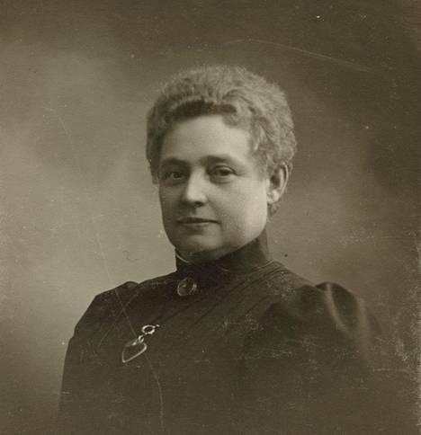 Vera Hjelt kuvattuna 1800–1900-lukujen vaihteessa.