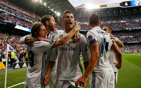 Cristiano Ronaldo juhli hattutemppua tiistaina Atlético Madridia vastaan.