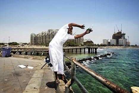 Korkeat öljyn hinnat ovat tuoneet Saudi-Arabiaan rutkasti rahaa ja myös maan toiseksi suurimpaan kaupunkiin Jeddaan rakennetaan metro.