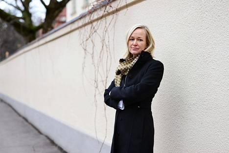 """""""Punainen lanka on, että ihmisten henkilötietoja kerättäisiin mahdollisimman vähän"""", tietosuojavaltuutettu Anu Talus sanoo."""