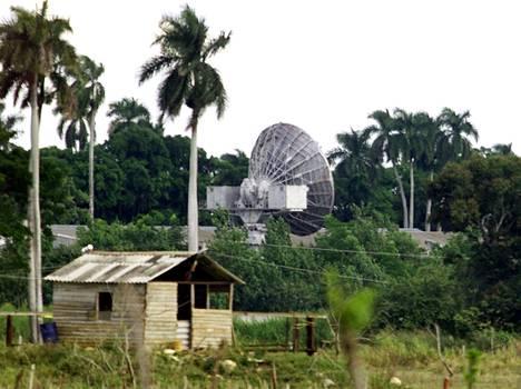 Neuvostoliiton aikana perustettu vanha tiedusteluasema sijaitsee noin 30 kilometrin päässä Havannasta.