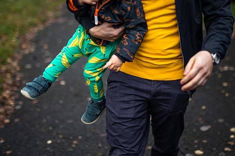 Voimakkaimmillaan tahtoikä on yleensä lapsen ollessa 2–3-vuotias.