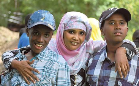 Adar Hassanin autististen poikien Alin ja Abshirin oireita helpotti uusi, tuoreisiin raaka-aineisiin keskittyvä ruokavalio.