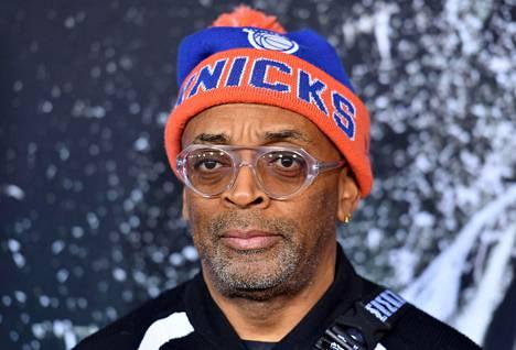 Spike Lee on New York Knicksin tunnetuimpia kannattajia.