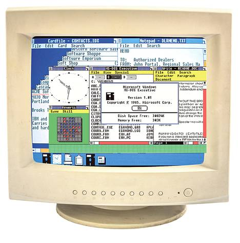 1980-luvun alussa Microsoft kehitti Windowsin ensimmäisen version. Sitä ohjailtiin hiirellä.