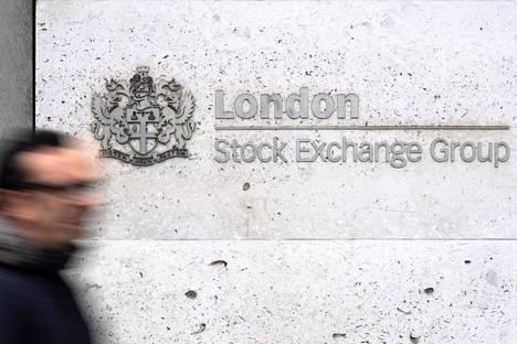Lontoon pörssin FTSE 100 -indeksi avautui niin ikään noin 2 prosentin laskuun.