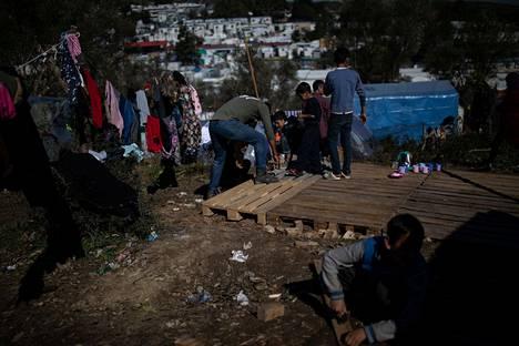 Morian leiri oli alunperin suunniteltu 3 000 turvapaikanhakijalle, mutta nyt leirillä asuu jo 17 000 ihmistä.