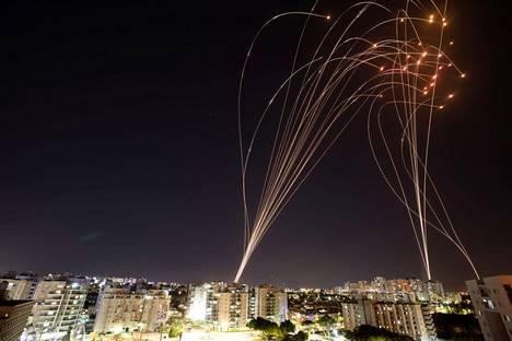 Israelin Iron Dome eli Rautakupoli on Israelin mukaan torjunut suurimman osan raketeista.