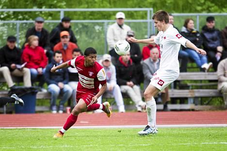 Viikinkien Miguel Delgado laukoi voittomaalin ottelussa HIFK:ta vastaan.