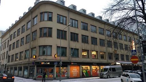 Tuomiokirkonkadun funkkistalo on entinen pukutehdas.