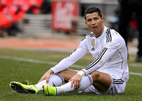 Cristiano Ronaldo jäi lauantaina jyrän alle ottelussa Atléticoa vastaan. Pelin jälkeen ilta jatkui 30-vuotisjuhlilla.