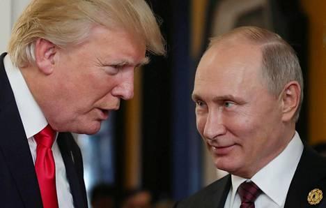 Donald Trump ja Vladimir Putin tapasivat myös viime vuonna, mutta virallista huippukokousta heillä ei ole aiemmin ollut. Kuva on otettu marraskuussa Apec-järjestön kokouksessa Vietnamissa.