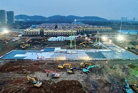 Wuhanin koronavirussairaalan rakennustyömaa 27. tammikuuta.