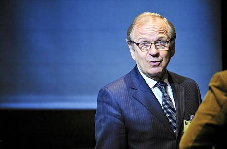 Suomen Pankin pääjohtaja Erkki Liikanen ennustaa synkkiä aikoja.