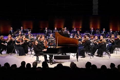 Paavali Jumppanen PianoEspoo-festivaalin päätöstapahtumassa.