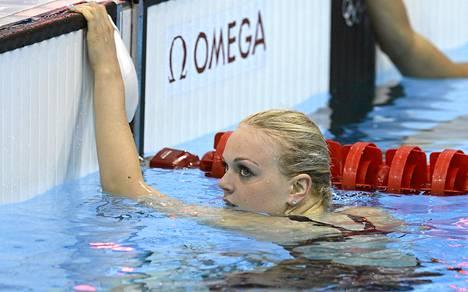 Emilia Pikkaraisen uinti ei suju.