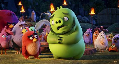 Angry Birds -elokuvan hahmoina seikkailee lintuja ja possuja.