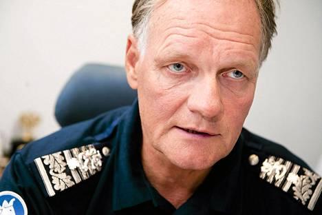 Poliisiylijohtaja Mikko Paatero kertoi katuvansa rikettään.