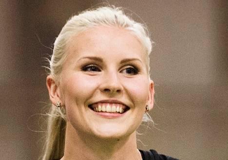"""Kristiina Mäkelä Kolmiloikka Mäkelä on Euroopan tilastossa kuudentena SE-loikillaan 14,20. Karsintaraja on 14,15. """"Vähän on väsynyt olo"""", sanoi Mäkelä torstaina kisapaikalla."""
