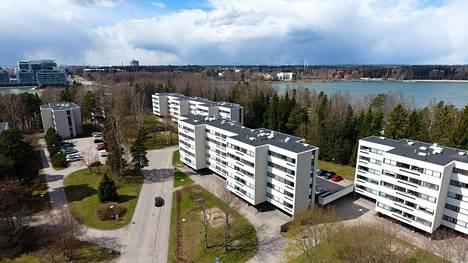 Lehtisaaren tonttivuokrien korotukset koskevat Helsingin yhteisen kirkkovaltuuston tiedotteen mukaan kymmentä taloyhtiötä, joista kaksi on kerrostaloyhtiöitä ja muut rivi- ja yksittäistaloja.